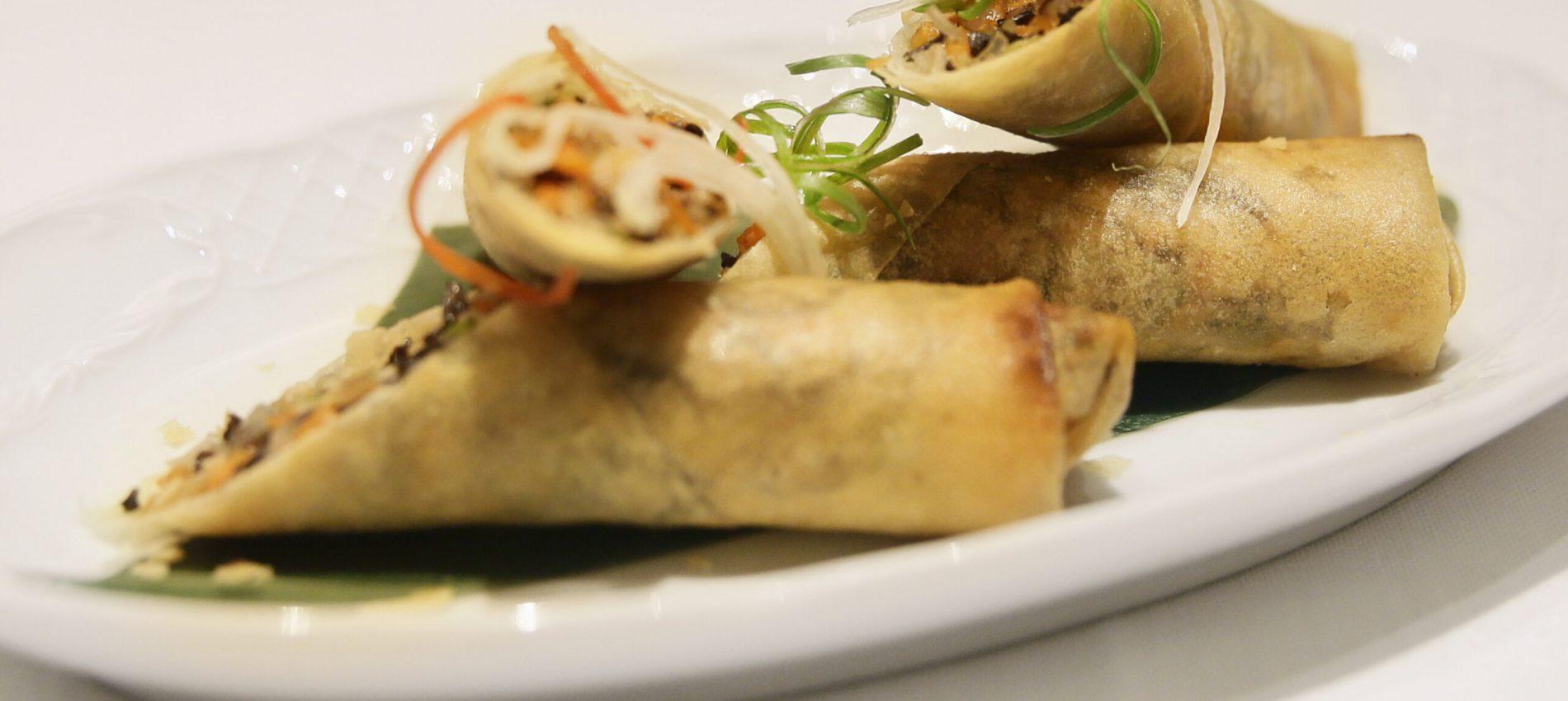18 - Rollos imperiales rellenos de shiitake y verduras