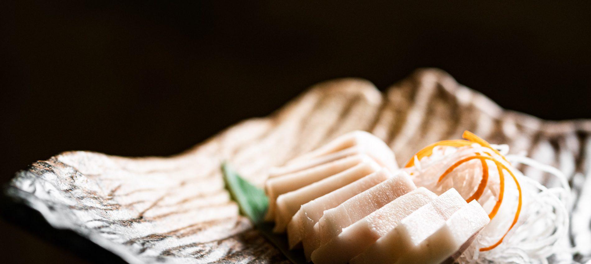 Sashimi de pez mantequilla con trufa 18,10 eur