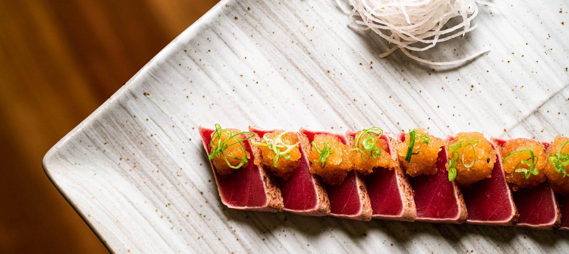 Tataki de atun con sesamo y chishimi 17,60 eur